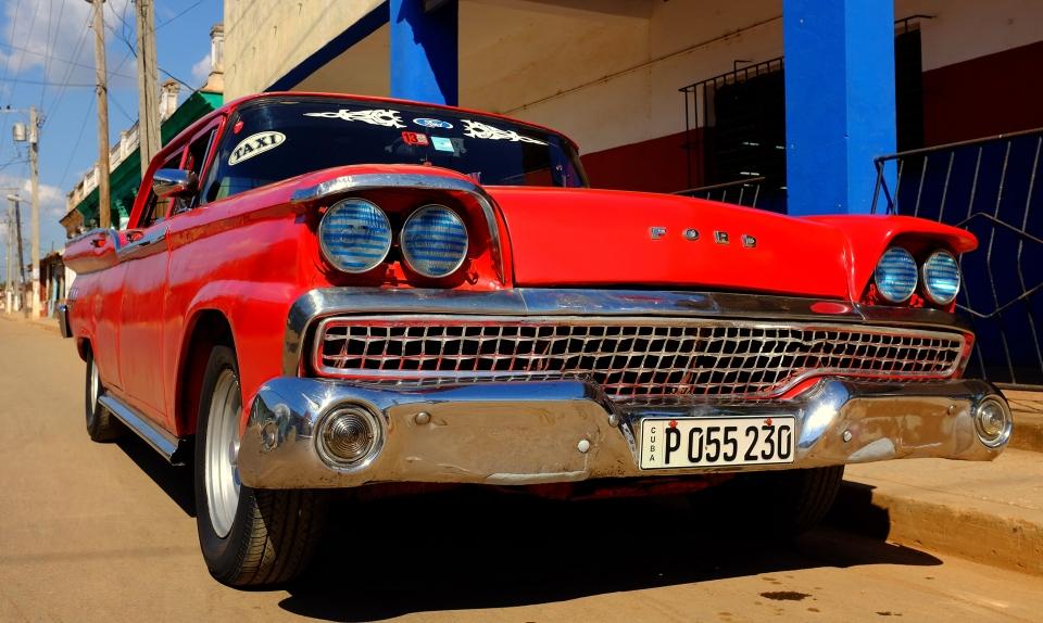 Yann-Deshoulieres-Cuba-Ford-Rouge