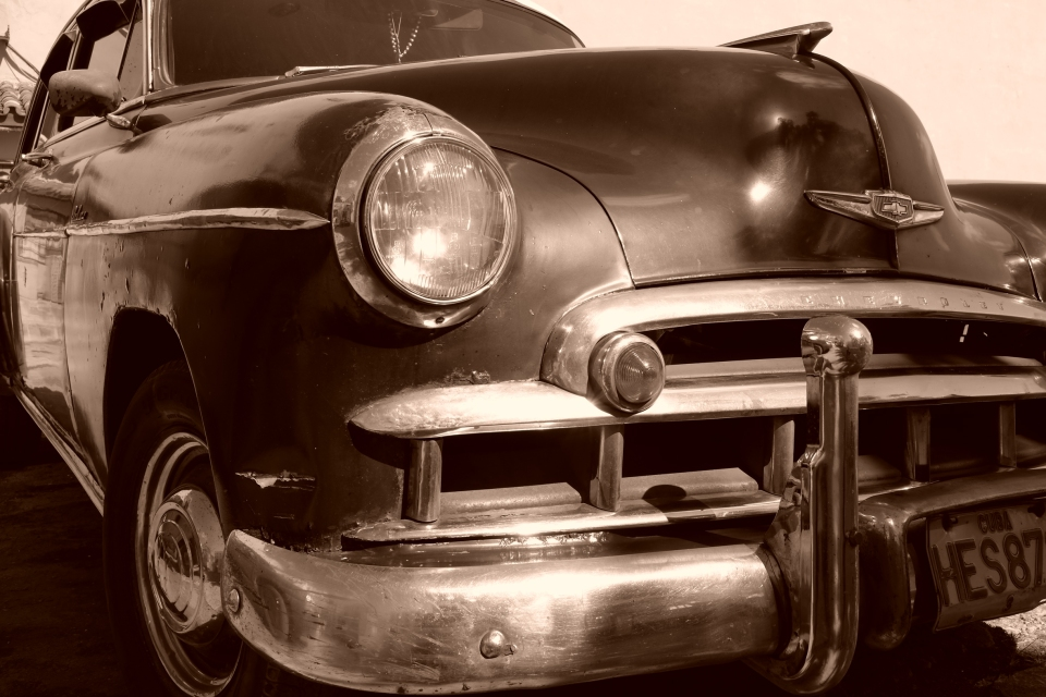 Yann-Deshoulieres-Cuba-La-Havane-Old-Car