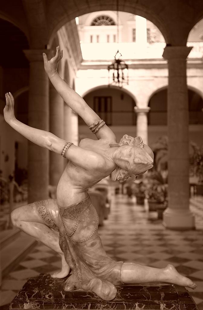 Yann-Deshoulieres-Cuba-La-Havane-Sculpture-Art-Deco