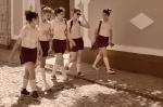 Yann-Deshoulieres-Cuba-Trinidad-Students