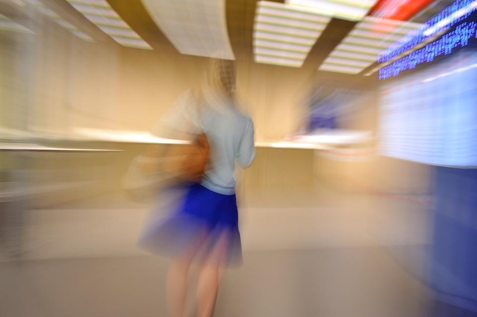 yann deshoulieres-airport-blue skirt-lady
