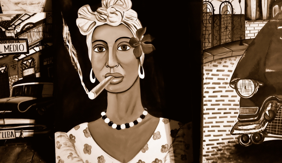 Yann-Deshoulieres-Cuba-La Havane-Cuban Art-Cigar smoking lady