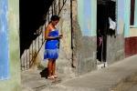 Yann-Deshoulieres-Cuba-La Havane-Lady in blue